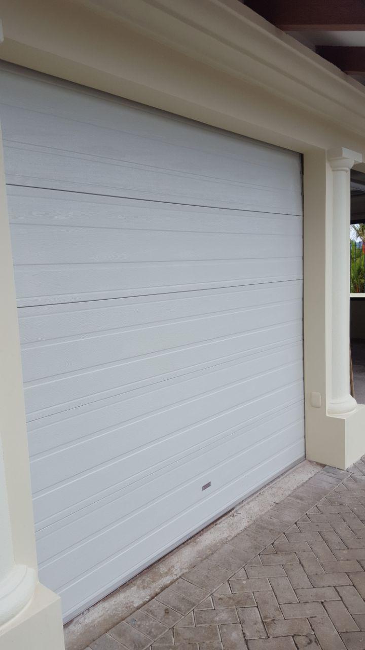 portón insulado seccional de garage