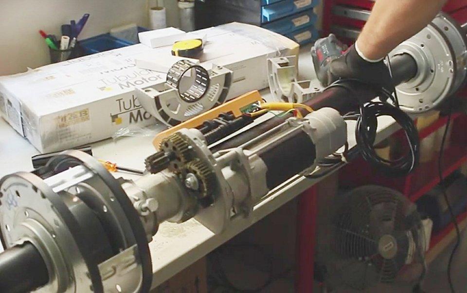 Instalación de motores en portones