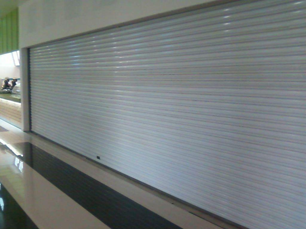 cortina metálica sin cobertor